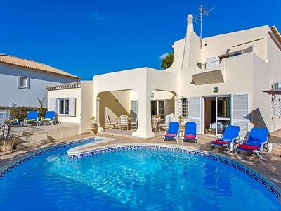 Photo for Vilamoura Villa, Sleeps 8 with Pool and Air Con