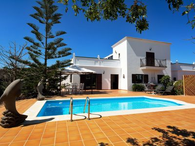 Photo for Nice villa with lots tranquility, a large terrace and lovely private pool