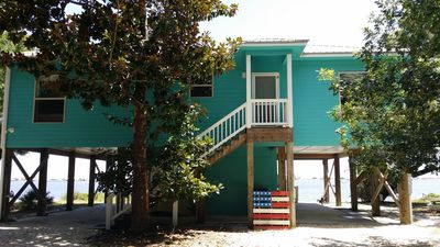 Great house w/screened porch you won't want to leave! Book now for summer