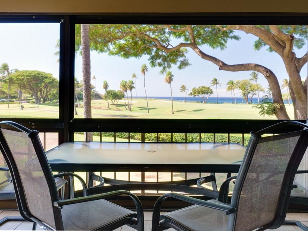 Closest Unit to Ocean, Corner Suite with Authentic Island Decor 2BD/2BA