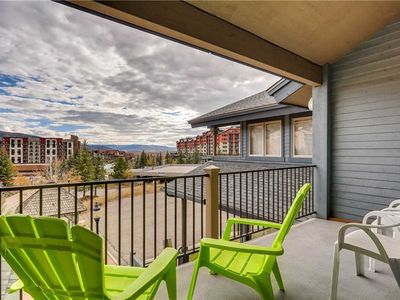 Photo for Beautiful Townhome for Summer, Great Location, Close to Mtn. Shops and Restaurants!