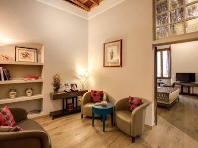 Photo for Giulia Superior Suite III apartment in Centro Storico with WiFi & air conditioning.