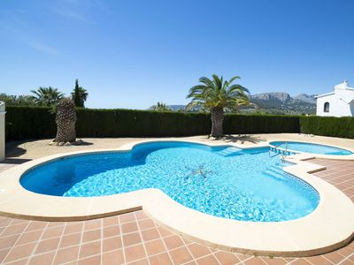 Photo for Nice apartment for 6 guests with WIFI, pool, TV, balcony and parking