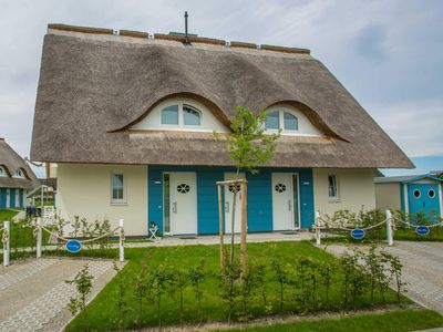 Photo for Thatched cottage WE 03 - Meeresrauschen - Ferienhaushälfte