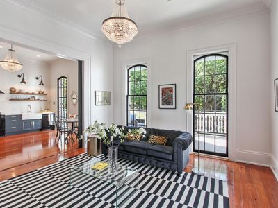 Photo for LUXE CHIC 2Bdrm 1 Ba, on Vibrant Frenchmen Street, Huge Balcony New Renovation!