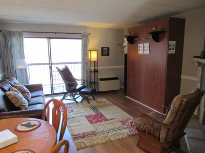 Photo for Remodeled dntn condo, WIFI, POOL, 3 min walk to town
