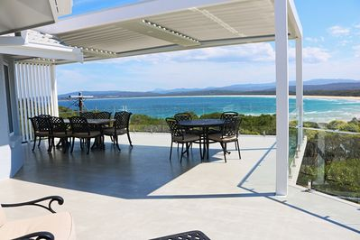 Bar Beach House - 4 Bedrooms with stunning views 3+