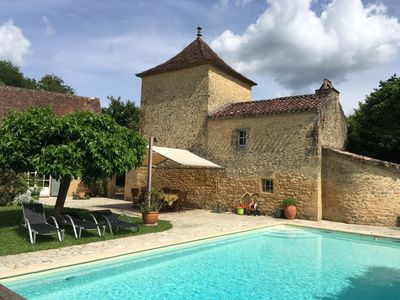 Photo for Beautiful luxury property with private pool, Perigord house
