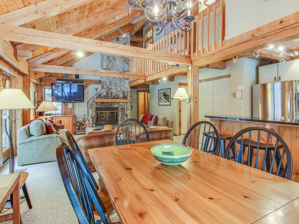Walk to slopes from mountain lodge style home w room for for Ski lodge style homes