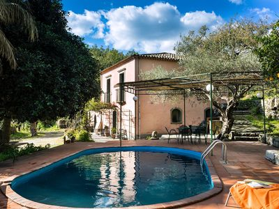 Photo for Unwind in a Sicilian country house with private pool, garden and panoramic views
