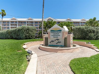 Photo for Come enjoy the Florida life in this St. Pete Beach Condo!