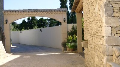 Photo for Luberon stone field 500 m2 in the countryside 2 heated pools int. ext.