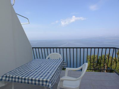 Photo for One bedroom apartment with terrace and sea view Bratuš (Makarska)
