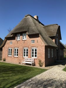 Photo for Fantastic holiday home with thatched roof on Föhr
