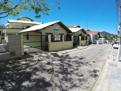 Photo for Apartment in the center of Bombinhas with 1 bedroom 70 meters from the beach
