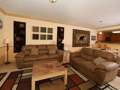 Photo for Spacious 2 bedroom condo close to the Parkway and all shows!