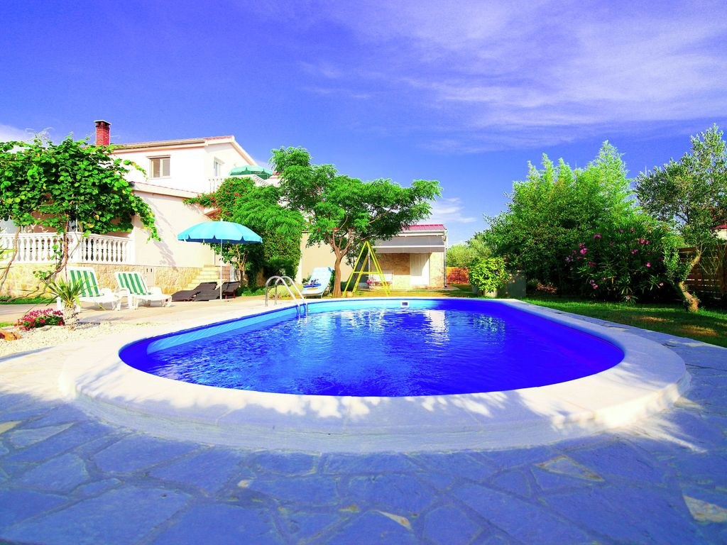 Large Holiday Home With Private Swimming Homeaway Murvica