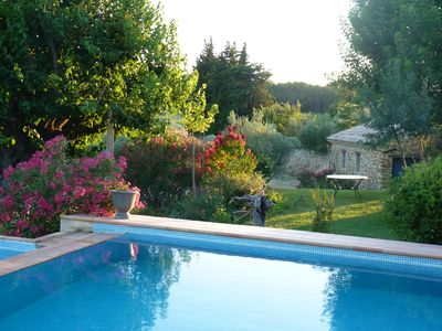 Photo for Pretty Provencal house with its private garden in a large silkworm