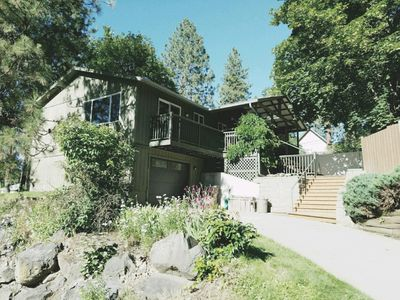 Newly Remodeled South Hill Tree House near Downtown, Parks and Hospitals
