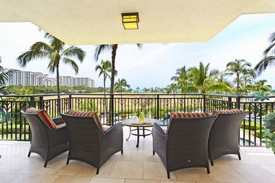 Lanai with Seating for four