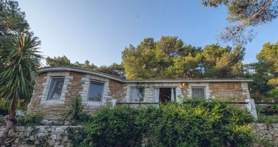Photo for Exclusive villa with a magnificent view of the exotic garden and Palmižana bay