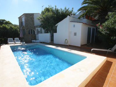 Photo for Very well maintained villa in a quiet location, with beautiful views and private pool.