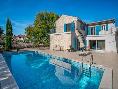 Photo for This 3-bedroom villa for up to 6 guests is located in Malinska and has a private swimming pool, air-