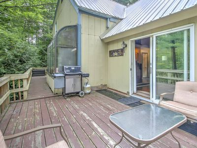 Photo for Lovely Cabin w/Deck - By Storyland & Attitash Mtn!
