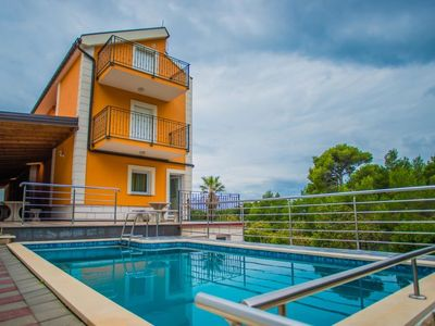 Photo for One bedroom Apartment, sleeps 3 in Promajna with Pool and WiFi