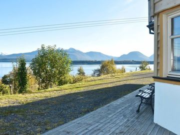 Apartment Nord-heggdal  in Midsund, Northern Fjord Norway - 4 persons, 2 bedrooms