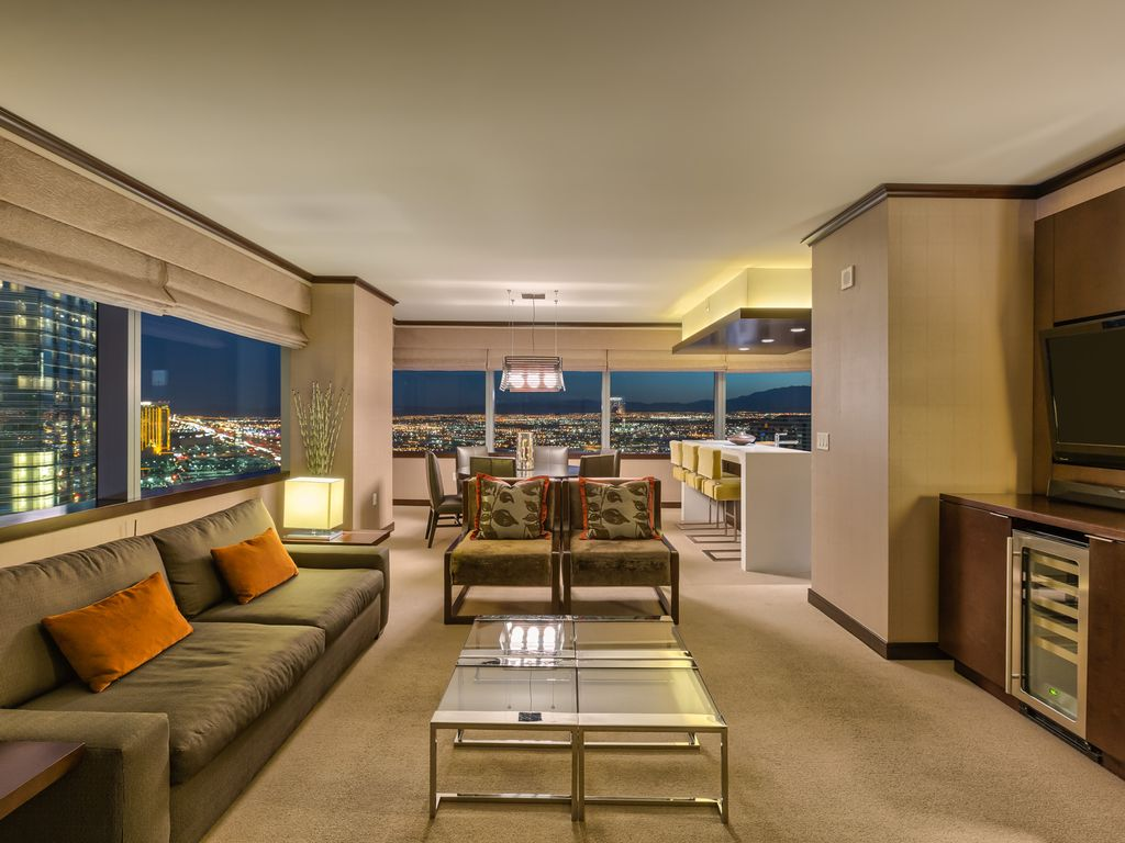 biggest penthouse vdara 2 br stunning homeaway las vegas 2 br stunning 270 strip views sleeps 7 42nd floor