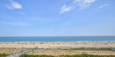 Jaw-Dropping View @ Sea Colony Oceanfront 3 BR Condo with 5 Star Renovation!!