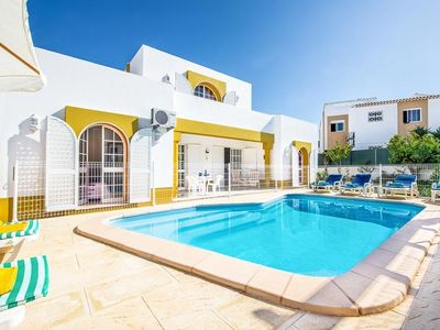 Photo for 3 bedroom Villa, sleeps 6 in Galé de Cima with Pool, Air Con and WiFi
