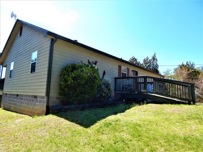 Photo for Gone Fishing 3 BD *LAKEFRONT* Pet Friendly. Close to Pigeon Forge & Dollywood