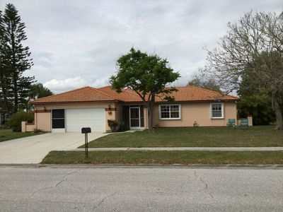 Photo for Newly renovated lake-view home in quiet neighborhood near the beach