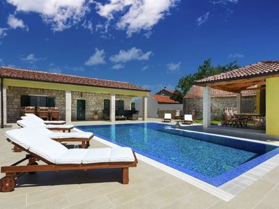 Photo for Gorgeous dalmatian stone house with large terrace, garden and  private pool
