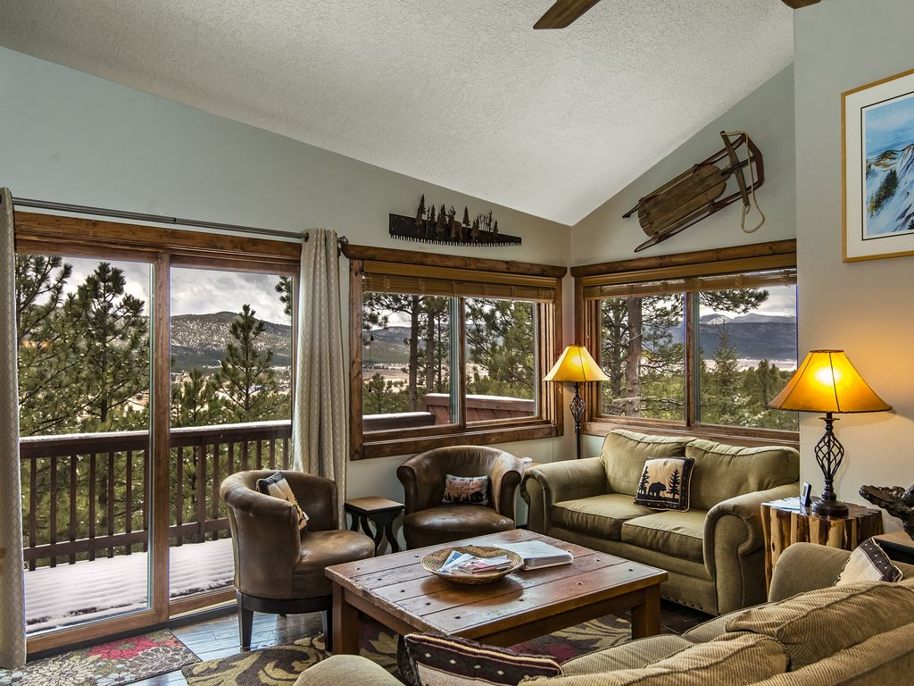LOCATION!  Lift C2 condo-Closest to Lifts-Completely Remodeled-Great Views!
