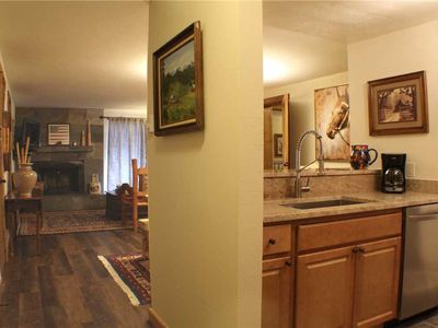 Photo for Chateaux #204: 4 BR / 3 BA condos and townhomes in Mt Crested Butte, Sleeps 10