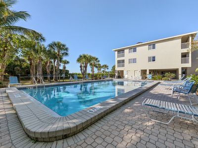 Photo for Sanibel Condo - Direct Gulf-Front with Free Wireless & Bikes
