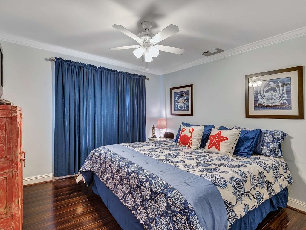 Beach Front Condo with gorgeous Gulf Views!  Sleeps 6 large image 12