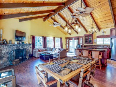 Photo for 3BR House Vacation Rental in Groveland, California