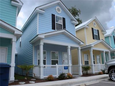 Photo for MRV25,  2-bedroom cottage in Myrtle Beach, 1 Block to the Beach!