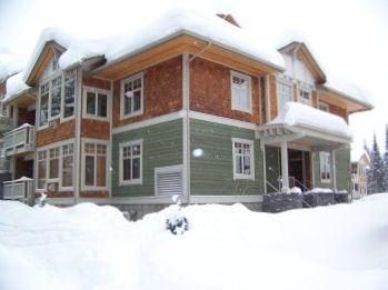 Photo for Veitch's Villa - Ski in/Ski out - Bright and spacious Retreat - Private Hot Tub