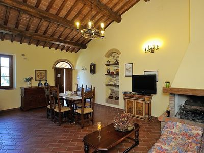 Photo for Apartment in the center of San Litardo with Parking, Internet, Washing machine, Pool (487420)