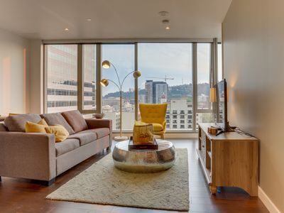 Photo for Luxury Park Avenue West condo w/floor-to-ceiling windows, great views, dogs ok!