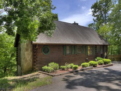 Photo for Smoky Mountain 2BR/2BA by Sevierville Convention Center, Echota Village, & shops