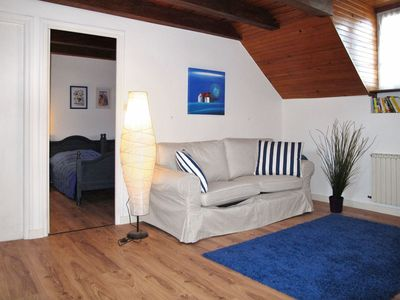Photo for Lovely apartment for 6 guests with WIFI, TV, pets allowed and parking