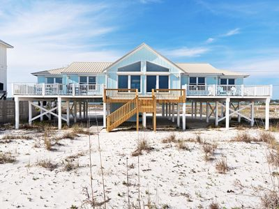 Photo for Gorgeous beachfront paradise w/private beach access & stunning Gulf views!