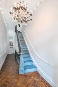 Photo for 6+ bedrooms, historic charm, close to public transportation