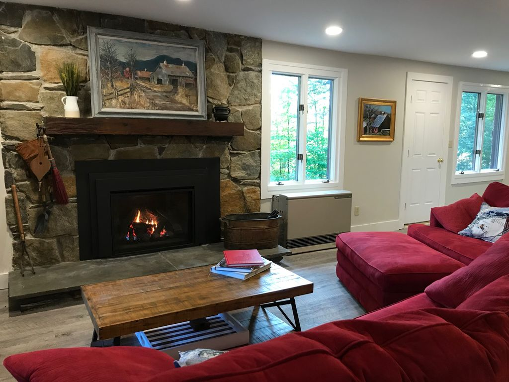 Walk to the slopes - just renovated 09/2017!  Gorgeous!
